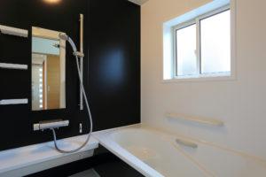 現場のプロが教える!お風呂・浴室と洗面所リフォーム費用の合計は?
