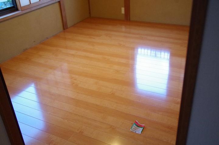 断熱材入り!6畳和室の畳から高級フローリングへのリフォーム事例/東京都