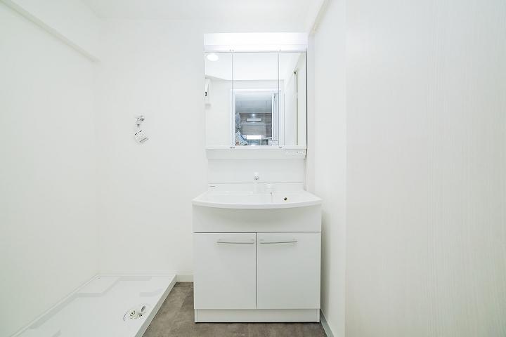 クロス・床張替え込!パナソニック「Mライン」への洗面台リフォーム事例