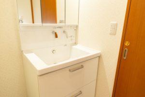 クロス・床張替え込!TOTO「サクア」への洗面台リフォーム事例