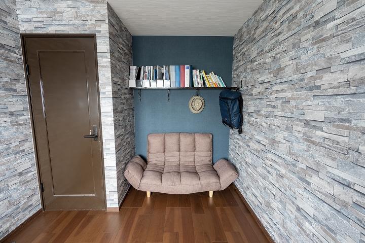 押入れを解体して空間を広げ、ブルックリンスタイルの書斎にする洋室リフォーム事例/京都市西京区