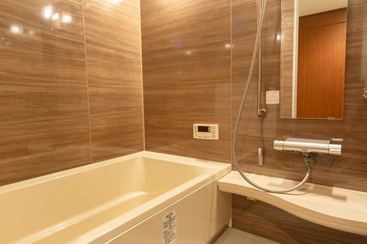 浴室暖房乾燥機付き!リクシル「リノビオV」へのユニットバスリフォーム事例/東京都