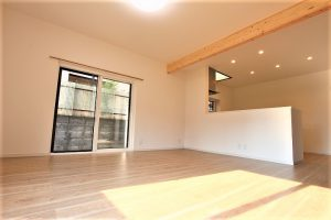 サッシも建具も一新!和室を取り込んで対面キッチンにするLDKリフォーム事例/京都府宇治市