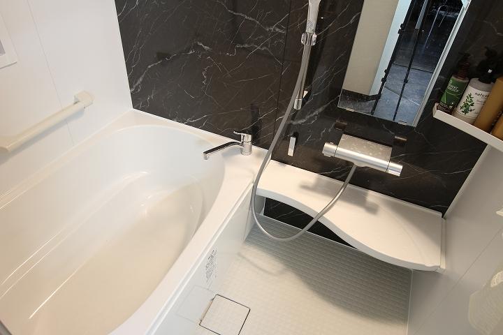 タイル張りの在来浴室からリクシル「アライズ」へのユニットバスリフォーム事例/京都市左京区