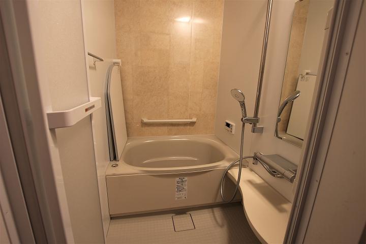 在来浴室からユニットバスへのリフォーム!給湯器も交換して追炊きも/京都府城陽市