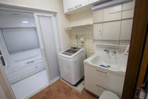 クロス・床張替え込!吊戸棚も一新!トクラス「エポック」への洗面台リフォーム/京都市右京区