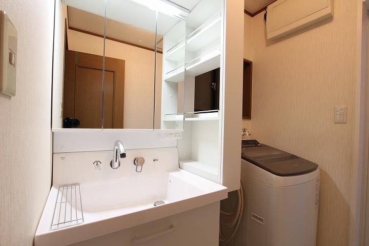 リクシル「ピアラ」への洗面台リフォーム/京都府向日市