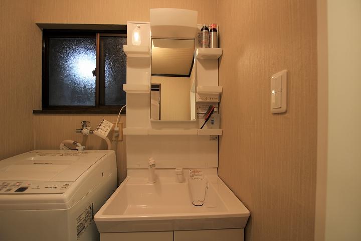 クロス・床張替えも!最安価格での洗面台リフォーム/京都市北区