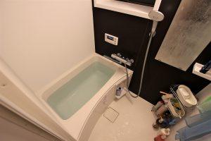 漏水も解決!費用を抑えた在来浴室からユニットバスへのリフォーム事例/京都市北区