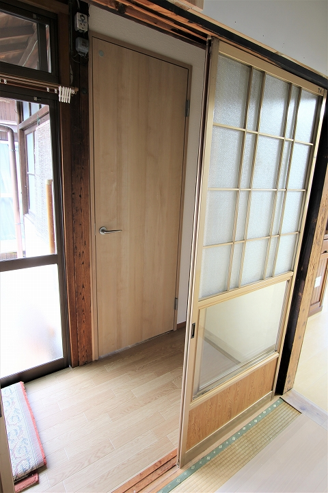 廊下に新しく建具取付けしたリフォーム事例/滋賀県大津市