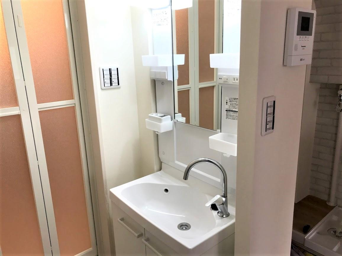 浴室横に洗面台を新設したリフォーム事例/京都市下京区