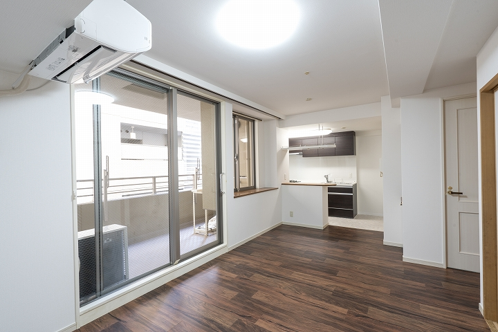 床もクロスも!300万円でのマンションフルリフォーム事例/京都市下京区