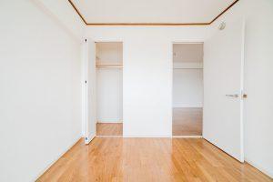 押入れはクローゼットへ!マンションの5畳和室から洋室リフォーム事例