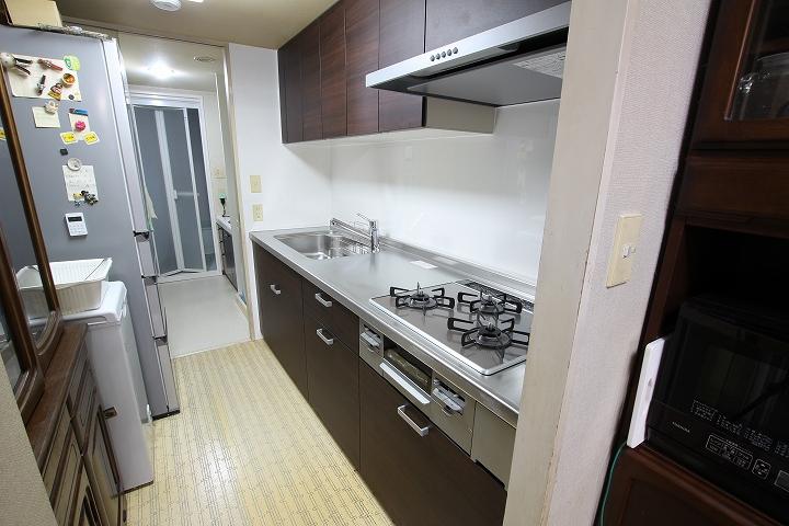 コンロはガラストップ!マンションで費用を抑えたキッチンリフォーム/京都府宇治市