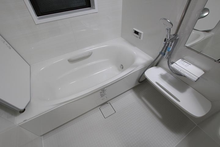 洗濯機パンも設置!リクシルのミドルグレードお風呂・洗面台リフォーム/京都府宇治市