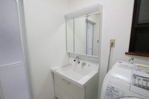 洗濯機パンも取付け!リクシル「ピアラ」への洗面所リフォーム/京都府宇治市