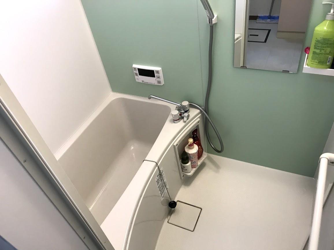 給湯設備をひとまとめに!タイルのお風呂のリフォーム事例/京都市西京区