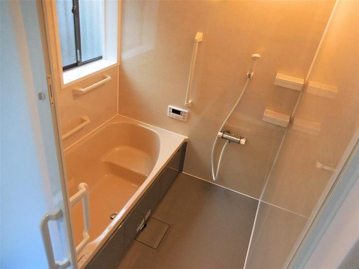 タイルの在来浴室からクリナップ「ユアシス」へのリフォーム事例