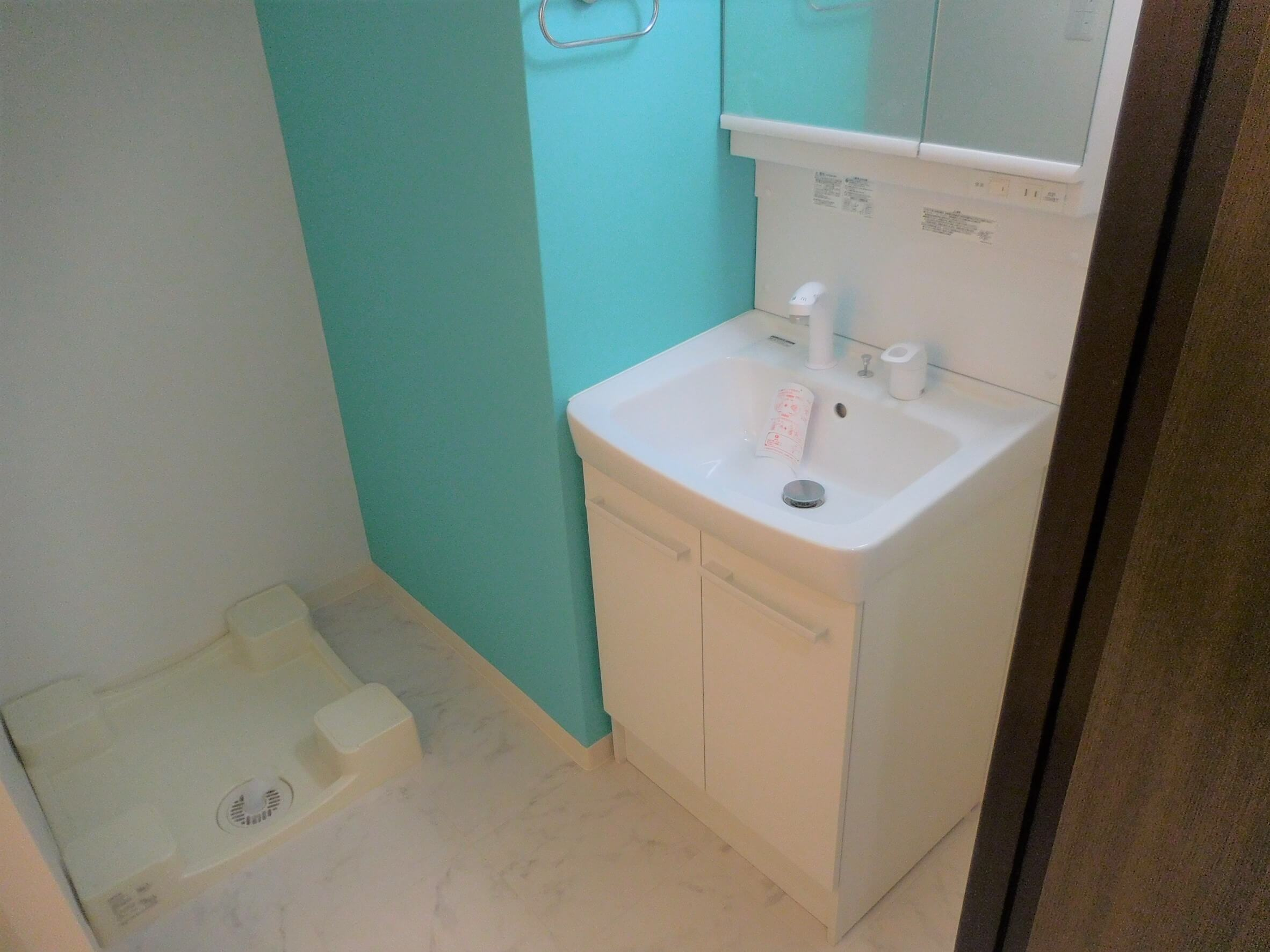 リクシルの洗面台「オフト」への交換とお風呂のリフォーム事例