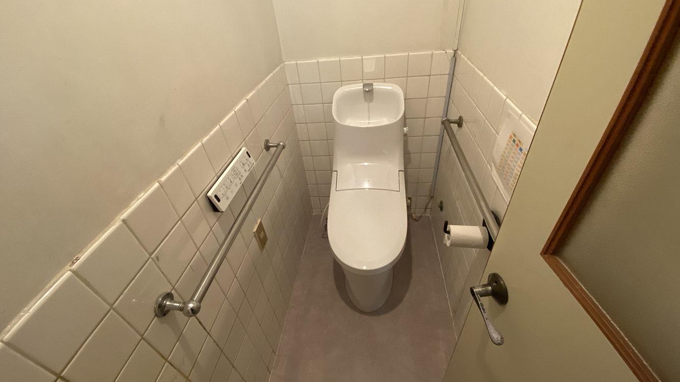 タイルをクッションフロアに!一体型トイレのリフォーム事例/京都市中京区