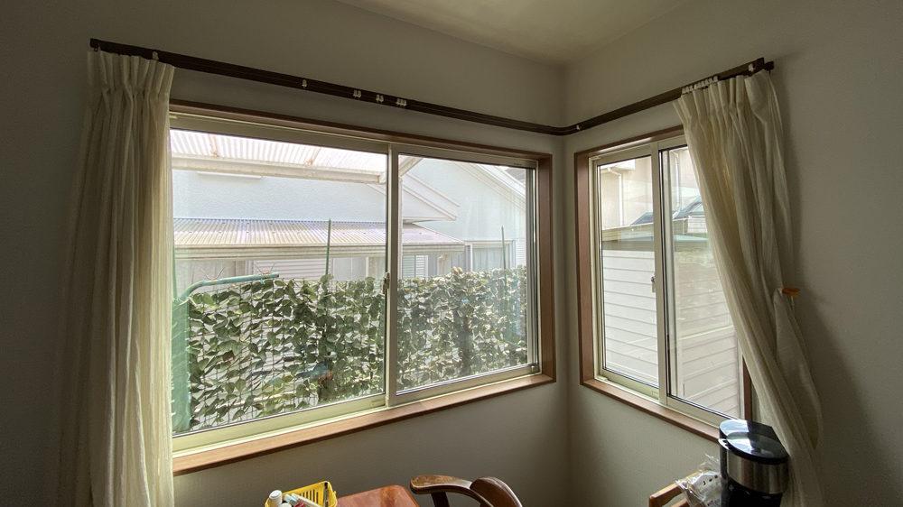 風通しが良くなったと好評!ハメ殺し窓から引き違い窓へのリフォーム事例