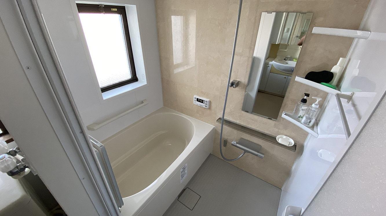 浴槽がひび割れ!漏水対策万全な「リノビオ」へのユニットバス交換/京都市中京区