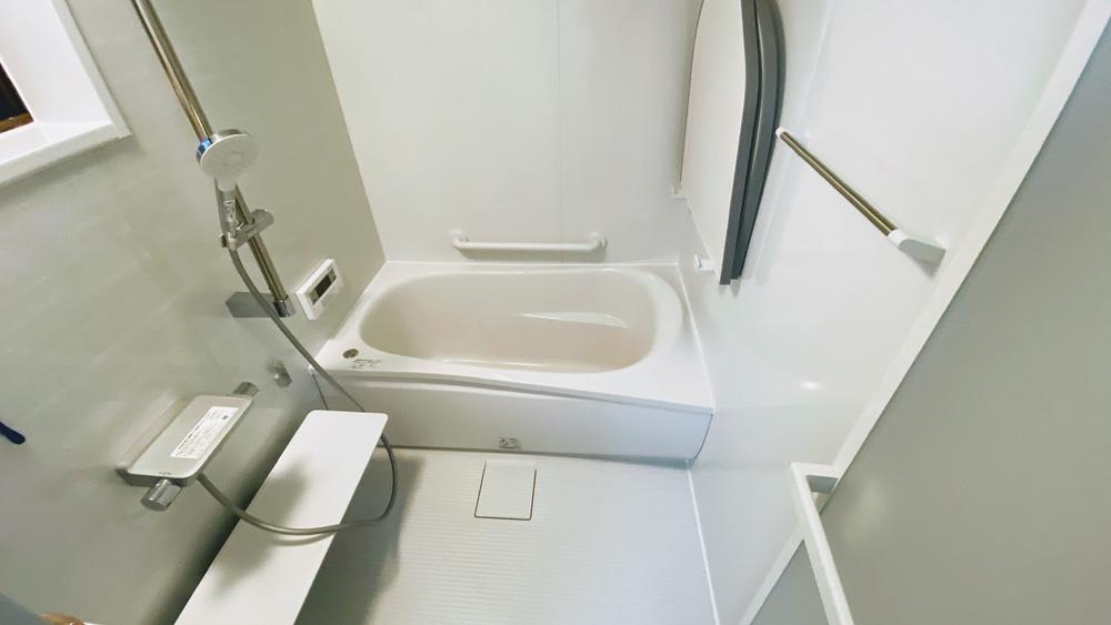 タイルの洗面所はクロス仕上げに!在来浴室のユニットバスリフォーム事例/京都市西京区