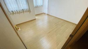 マンションの3部屋洋室のカーペットをフローリングに/京都市山科区