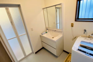クロス・床張替え!少し大きな洗面所のリフォーム事例/京都市北区