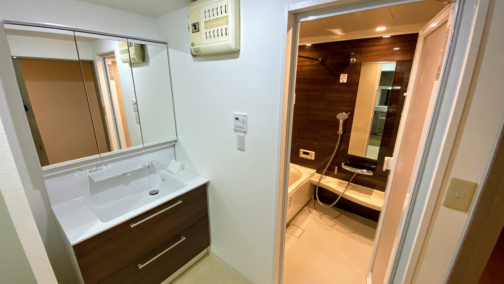 スッキリおしゃれなお風呂・洗面所リフォーム事例/京都市山科区