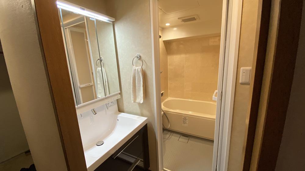 棚板も設置!リクシル「LC」への洗面所リフォーム/京都市上京区