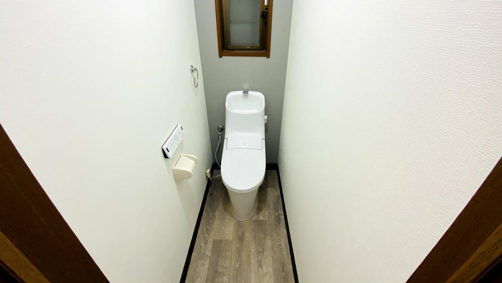 タンクと温水洗浄便座が一体型のアメージュZAリフォーム事例/京都市西京区