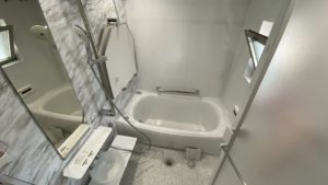 掃除機能付TOTOユニットバスとリクシル洗面台「ルミシス」施工事例/京都市中京区